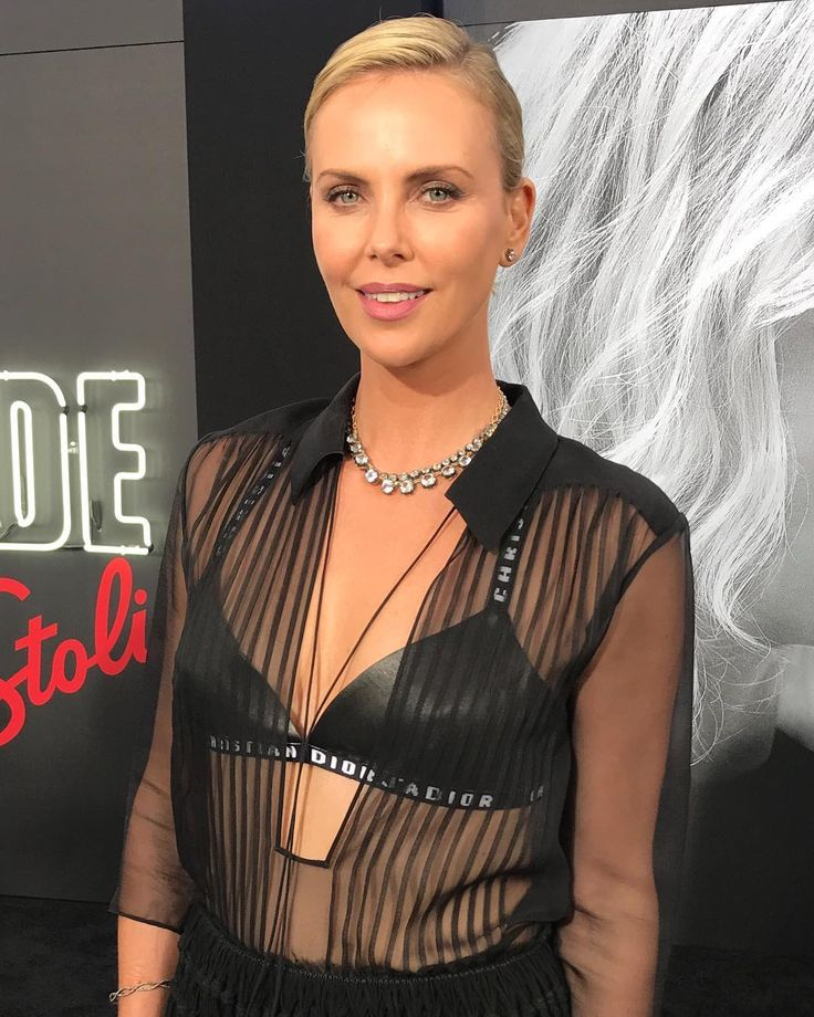 Charlize Theron Ny Blondes: Best 25+ Blonde Movie Ideas On Pinterest