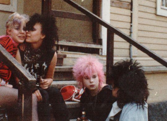 Foto di Punk Finlandesi nei primi anni 80 (10 FOTO) http://staypulp.blogspot.com/2017/03/foto-di-punk-finlandesi-nei-primi-anni.html