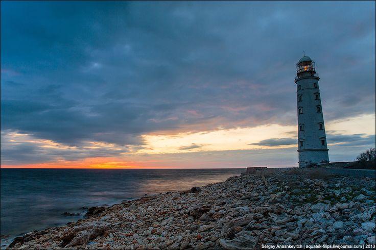 Остров Крым - Холодный вечер у маяка