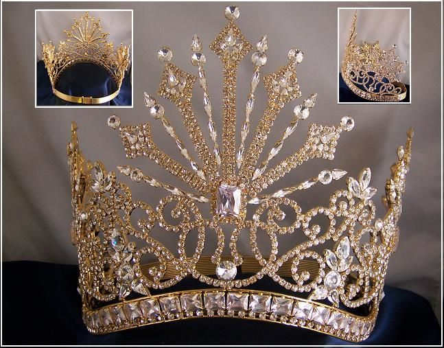 Tsarina Alexandra Fedorovna Romanov crown.  This looks like a star burst.