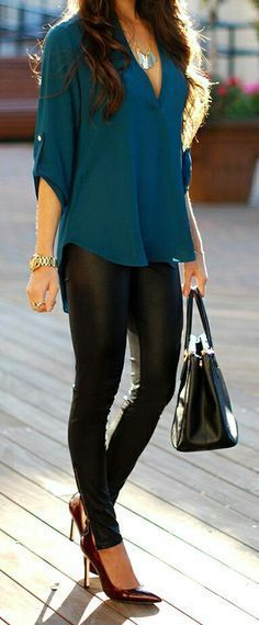 black skinnies + loose fitting shirt casual outfit for office