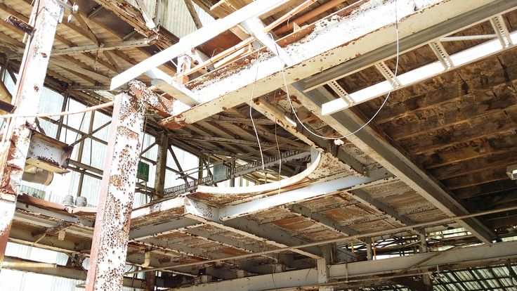 FACTORY - ACCESS GRANTED TO WALK ON SECOND LEVEL