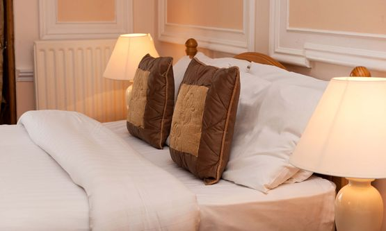 Ben Craig Guest House is best service provider and famous guest house in Edinburgh.  Ben Craig Guest House provides you with the best of Bed and Breakfast Edinburgh, B, in the heart of Scotland's capital city, Edinburgh.