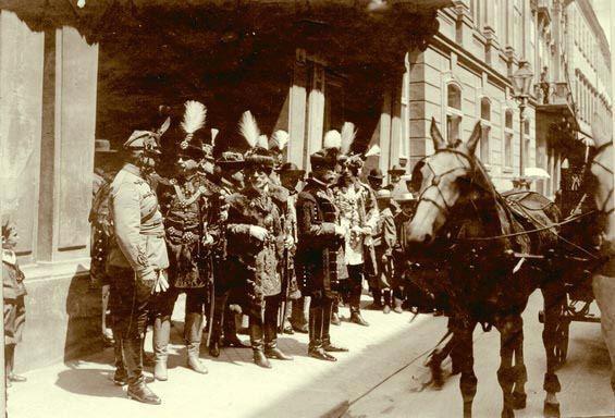 Hungarian gentry, circa 1900