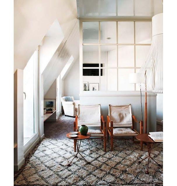Une verrière blanche dans un salon