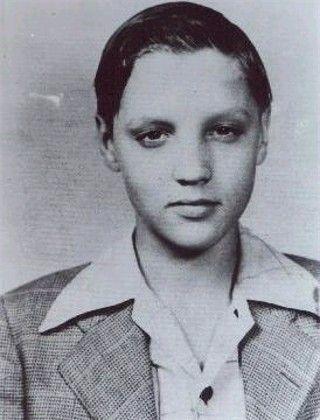Young Elvis - elvis-presley Photo