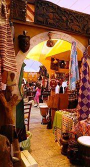 Il giro del mondo in un Suq Dal 13 al 24 giugno a Porto Antico, nel cuore di Genova, torna il Festival delle Culture: integrazione, spettacolo sotto le stelle.
