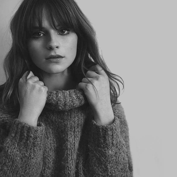 Gabrielle Aplin Singer and songwriter