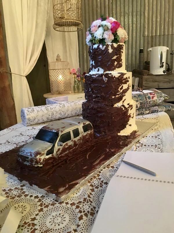 Story Cake! Every cake has it's story like this one telling everyone how the couple met! #countryweddings #weddings #cake #eyg2015