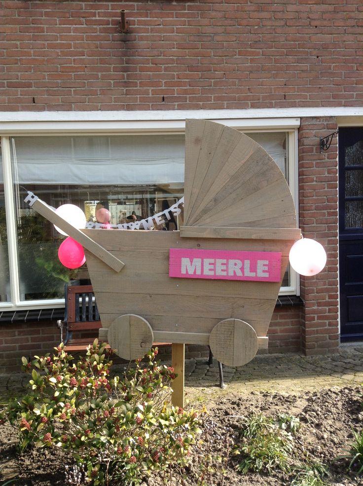 DIY Geboortebord kinderwagen gemaakt van steigerhout