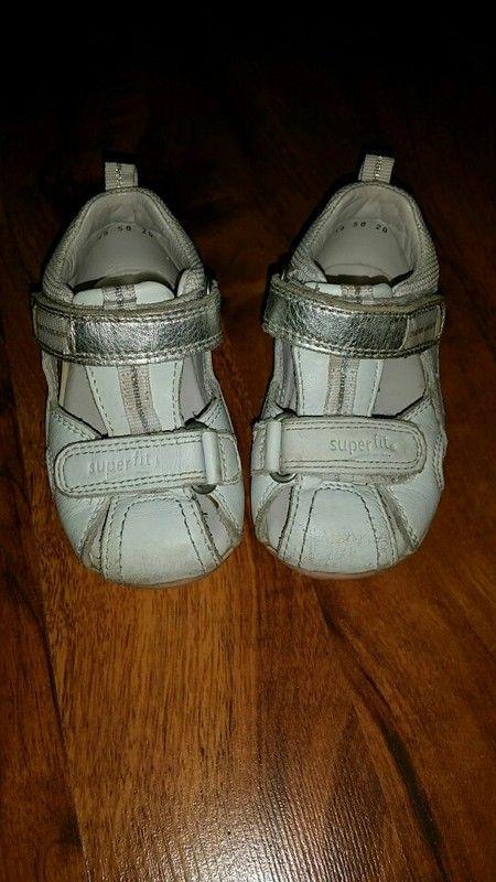 Süße Sandalen, Superfit, Gr. 20, weiß