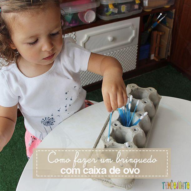 Como fazer um brinquedo com uma caixa de ovo. Uma atividade simples, barata e divertida que ajuda a desenvolver a coordenação motora fina das crianças.