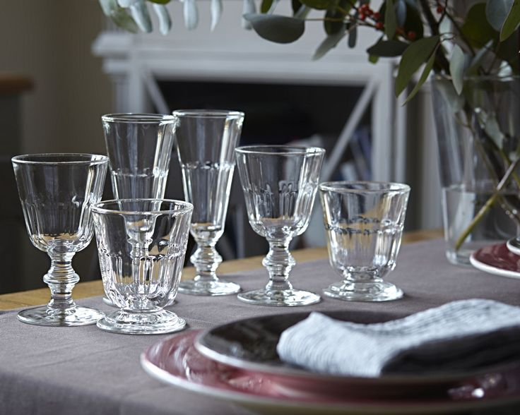 Vorbereitungen für ein Dinner mit Freunden - französische Gläser von La Rochere! Weinglas, Sektglas, Wasserglas im rustikalen Schick.