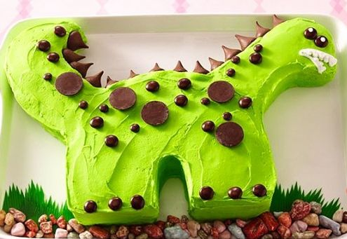 Dinosaur Cake :) made using 2 round cakes