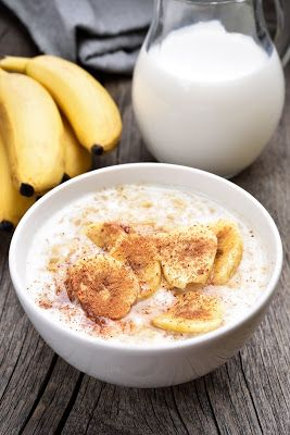 Monash University Low FODMAP Diet: Quinoa Porridge with Banana & Yoghurt. Link: http://fodmapmonash.blogspot.com.au/2016/10/quinoa-porridge-with-banana-yoghurt.html