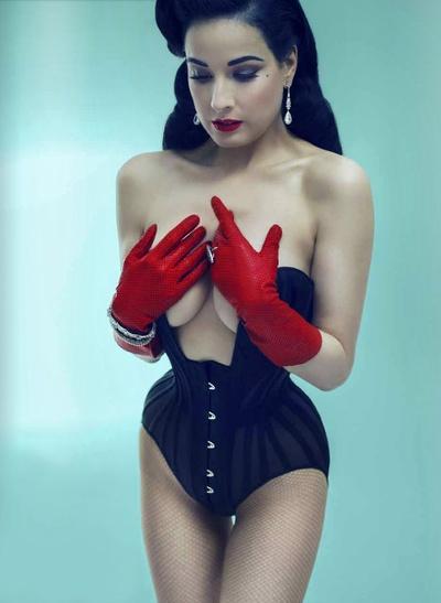 Dita Von Teese... Stop this corset is so amazing