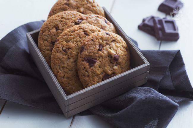 I biscotti senza burro sono cookies realizzati con olio extravergine, aromatizzati al caffè: perfetti per la colazione o la merenda!