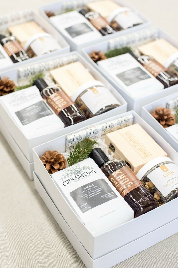 Best Corporate Gifts Ideas : HOLIDAY CLIENT GIFT BOXES ...
