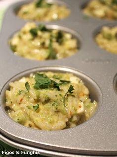 Bolinhos assados de arroz com brócolis