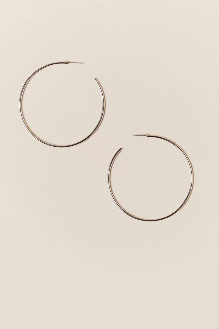 Die besten 25+ Thin hoop earrings Ideen auf Pinterest | Lobe ...