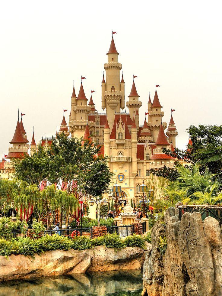 The Far Far Away Castle at Universal Studios Singapore makes a pretty good backdrop for photos, we say!
