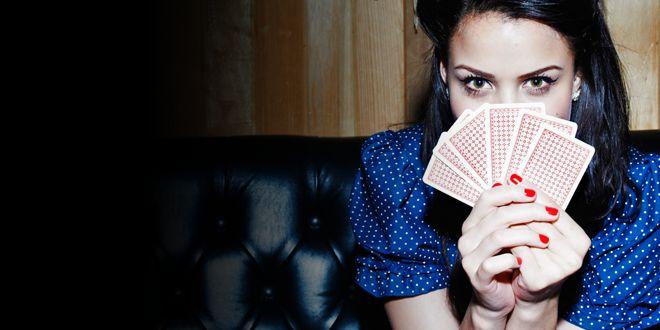 Tirage du tarot gratuit : gardez un oeil sur votre avenir avec les cartes et le tarot divinatoire.