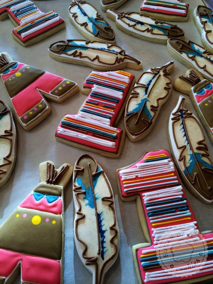 Feather cookies Teepee Cookies. Perfect Birthday or Pow Wow cookies. https://cookiecutter.com/number-one-cookie-cutter.htm