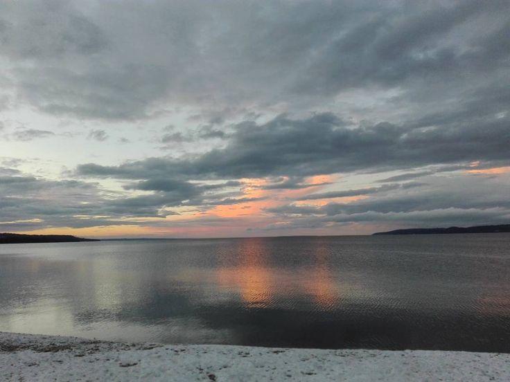 """Gefällt 42 Mal, 2 Kommentare - Laura (@chispasinmyhead) auf Instagram: """"Good night #jönköping #sverige #sweden #vätternsee #sunset #instamood"""""""