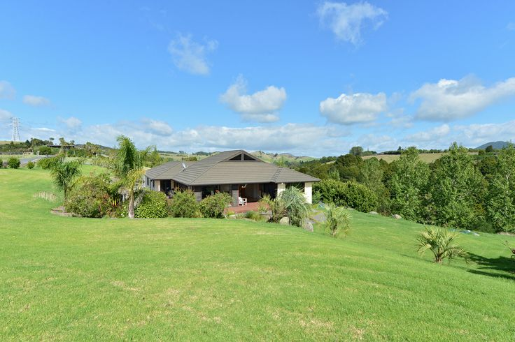 Spectacular maunu lifestyle - Real Estate with Pauline Dinsdale, Whangarei.