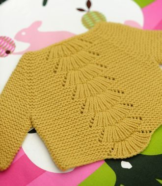 """Camilla babe by Carrie Bostick Hoge at quince and co. quick knit. 3 months to 3 years and 4-10 years [   """"Ravelry: camilla babe pattern by Carrie Bostick Hoge"""",   """"Camilla babe by Carrie Bostick Hoge at quince and co. 3 months to 3 years and years"""",   """"Another sweet baby knit."""",   """"baby sweater - love the fan design."""",   """"Ikke et syprosjekt, men tenk så fin den ville vært på smulen ."""",   """"Make this adorable lace leaf baby blanket - a wonderful gift for a new baby or a sweet luxury for…"""