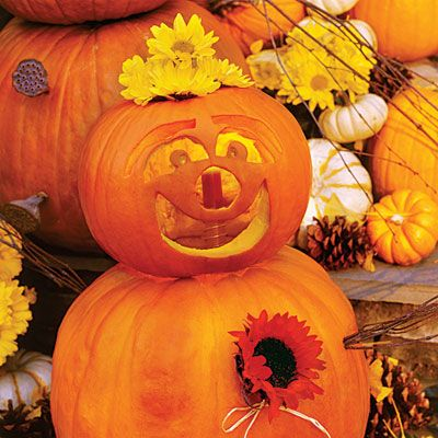 Smile: Southern Living, Fall Decor, Carvings Ideas, Halloween Pumpkins, 33 Halloween, Halloween Pumpkin Carvings, Pumpkin Faces, Carvings Pumpkin, Friends Halloween