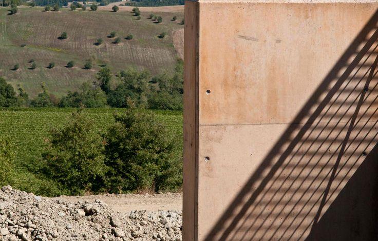 Alvisi Kirimoto + Partners. Bulgari Winery, Podernuovo, Italy (2013). (Photo: Anna Galante Fotografia)