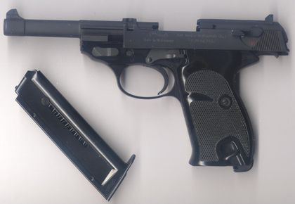 Armas de fuego del calibre .22. Para algunas personas es un calibre poco efectivo y por eso está siendo poco valorado, pero en mi opinion en lo suficientemente bueno para muchas opciones de uso (Defensa, caza, Deporte). Nuestra bala en cuestion. He...