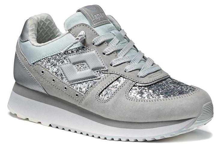 http://www.lottoleggenda.it/it/collezioni/donna/tokyo-wedge-w/suede-e-glitter/ice-silver-metal