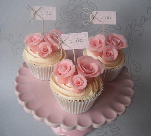 'I do' wedding cupcakes