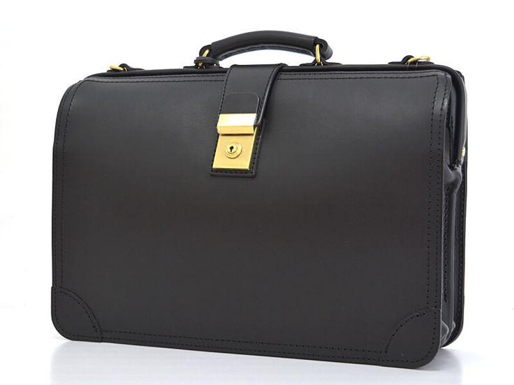 ビジネスバッグの定番モデル、「ダレスバッグ」。HERZ極厚のオリジナルレザーで作るとこうなります。2部屋構造、堂々の雰囲気を醸し出す革鞄です。3サイズ展開、2way仕様にもできます。