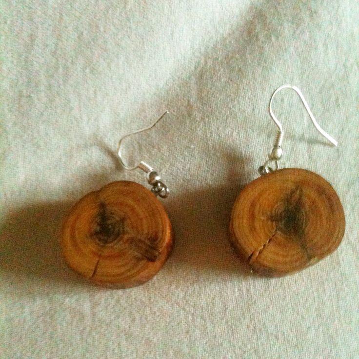 DIY Dessa har jag gjort från en gammal självdöd En. #örhänge #earrings