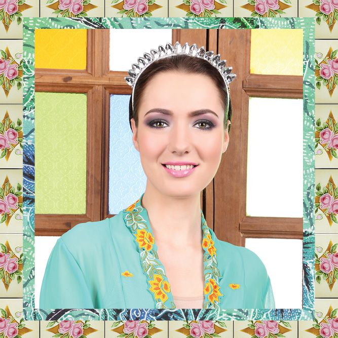 Headband by Sereni & Shentel 2014 Nyonya Raya Collection - Mini Teardrop Tiara. Made in Borneo.