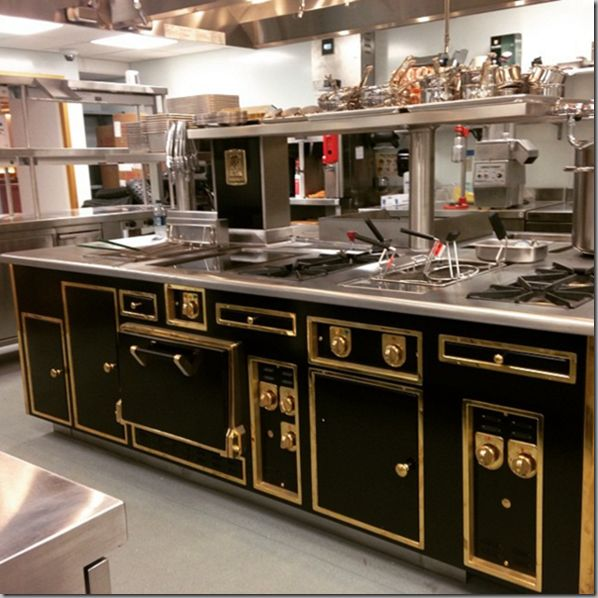 The Most Gorgeous Stove! It's A Molteni.