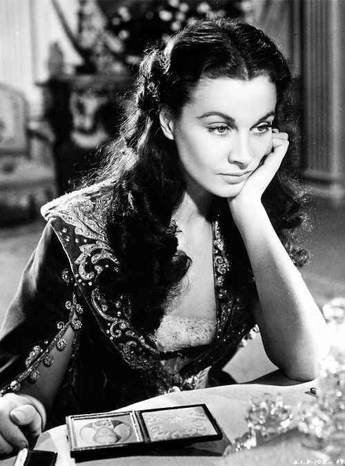 katharinehepburn:Vivien Leigh in Gone With the Wind, 1939