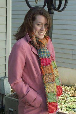 This is one of the coziest rag quilt ideas! The Quilted Homespun Scarf combines the warmth of a comfy rag #quilt with an adorable #patchwork look. Make this fabric #scarf pattern for the coldest, snowiest weeks of winter!
