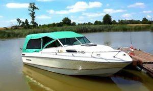 20 ft Rinker Cuddy Cabin Boat & Trailer - Great Fishing Boat