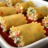 Veggie Lasgna Roll-Ups - used to love these when i was little!