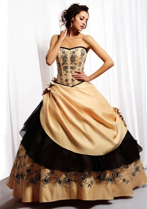 Ball Gown Strapless Floor-length in Satin Quinceanera Dress