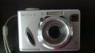 Satu Ylävaara Portfolio : Kamera Sony DSC-W7. cybershot circa 2005