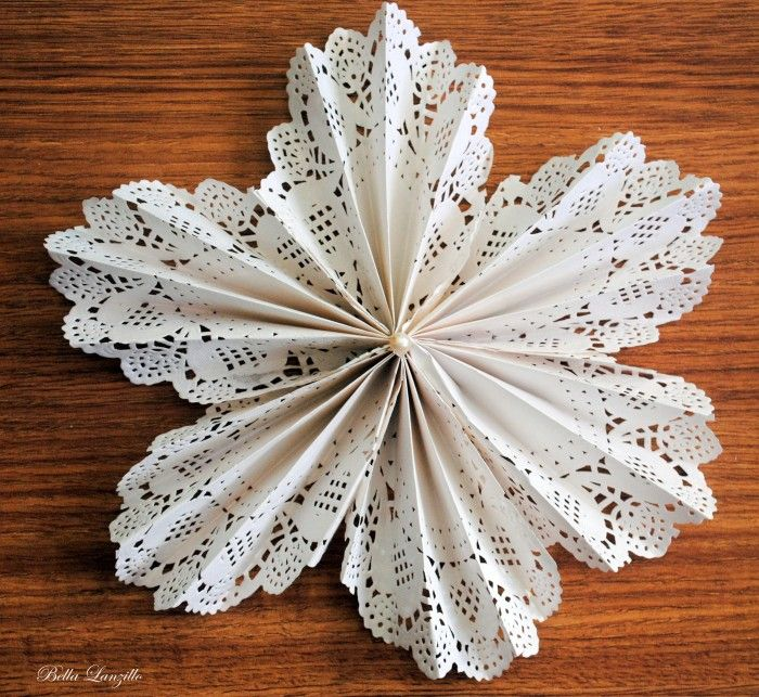 Tutorial de flor feita com paper doilie (ou doily)   Noivinhas de Luxo  www.noivinhasdeluxo.com.br