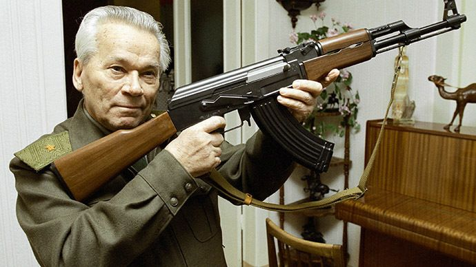 Mikhail Kalashnikov, world famous inventor, with an AK-47 assault rifle. (RIA Novosti / Vladimir Vyatkin)