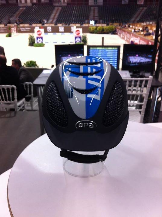 Tout nouveau, tout beau : le prototype du casque GPA - Equidia Life !  Comment le trouvez-vous ?