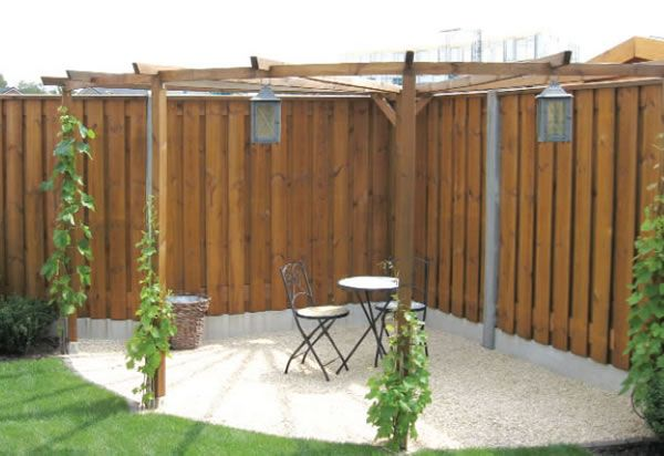 Quarter Circle Arch Pergola £240 - £280 Dimensions: Beam length: 3m Post length: 2.7m  Galvanised pointed post holders measuring 7.1x7.1x7.5cm are recommended for this corner pergola. These are available as an optional extra, either for soft ground or concrete.