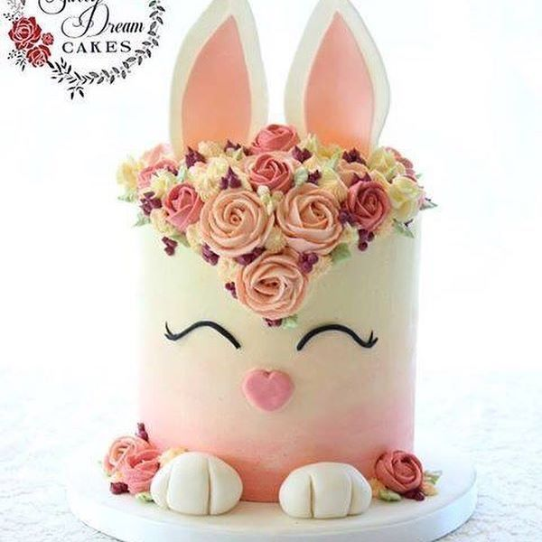The Easter Bunny's been and fond in our house, but we can't get enough of this cute @my_sweet_dream_cakes bunny cake! #Regram via @sweet_magazine